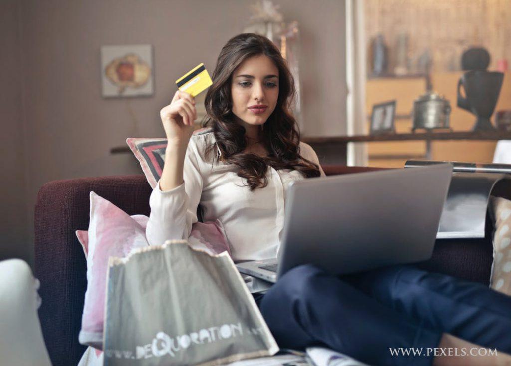 Dużo oszczędności dają zakupy przez internet