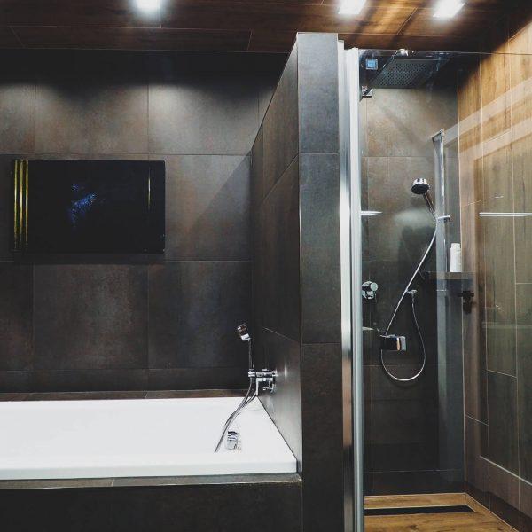 Bez kompromisów - przestronna łazienka