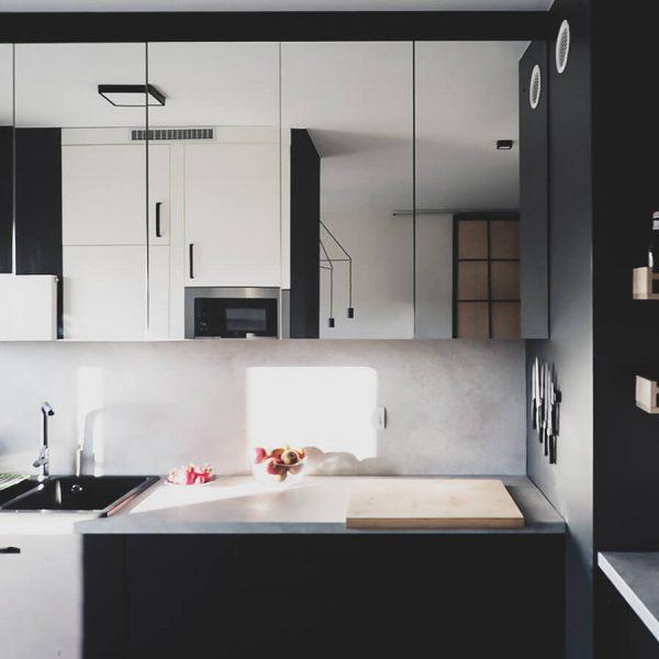 Mirror, mirror - zabudowa kuchenna