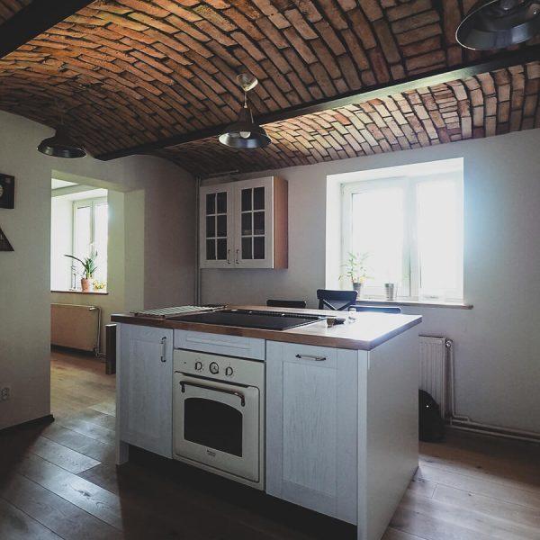 Nowy-stary dom - rustykalna kuchnia
